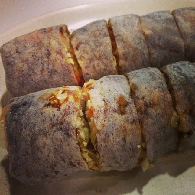 Popiah #umakemehungry #sgfood #sghawkers #singaporefood #yummy #umakemehungry #yummy #foodphotography #foodie #foodgasm #foodstamping #foodbloggers #foodoftheday #foodporn #foodspotting #instafood #instasg #justeat #openricesg #8dayseatout #lifeisdeliciousinsg #shiok #yums #foodblogs #igsg #nomnomnom #followme #qiji