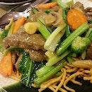 Beef chow mein #perth #Australia #westernaustralia #beef #umakemehungry #foodgasm #foodphotography #foodbloggers #foodie #followme #foodporn #foodspotting #makanhunt #como #fried #noodles