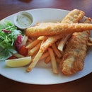 Fish & chips #umakemehungry #foodphotography #singapore #rafflesmarina #yummy #photooftheday #foodgasm #foodporn