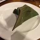 Guess what is inside the banana leaves?#sgeats #followme #foodblogger #singaporefood #delicious #yummy #foodgasm #foodstamping #sgfood #foodoftheday #foodporn #burpple #foodspotting #fatdieme #foodgasm #instafood #openricesg #justeat #foodphotography #8dayseatout #instasg #umakemehungry #lifeisdeliciousinsg #foodblogs #nomnomnom