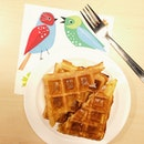 waffles with maple syrup and noisy green bird #sgfood