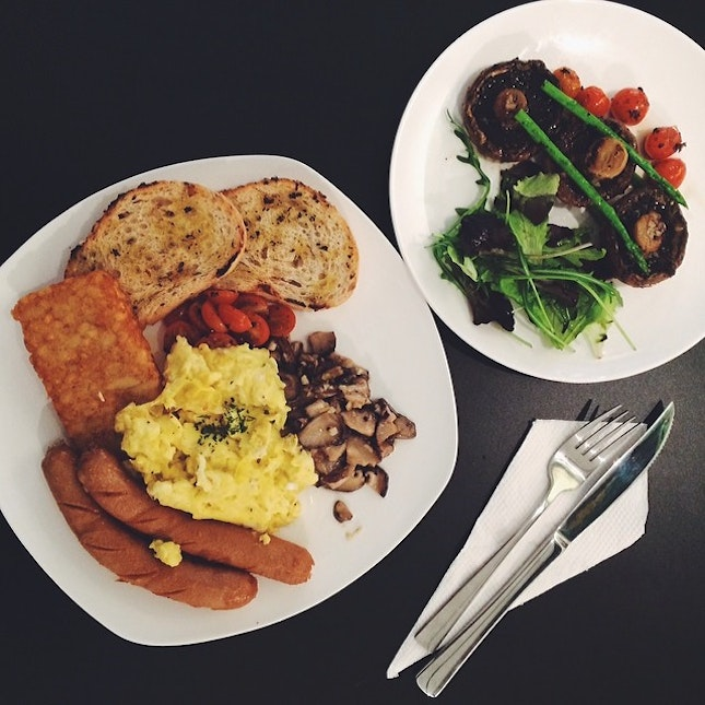 All Day Big Breakfast ($14.90) and Portobello Asparagus ($5.90).