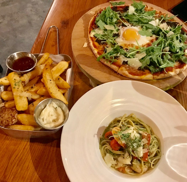 Garlic truffle fries ($17) x Truffle & egg pizza ($21) x Pesto cremoso pasta with shrimps ($18)