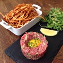 The beef tartare at Balzac Brasserie, Rendezvous Hotel was such sublime pleasure.