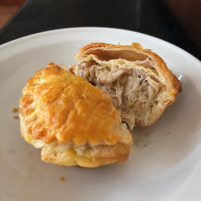 Tasty Old-school Style Chicken Pie