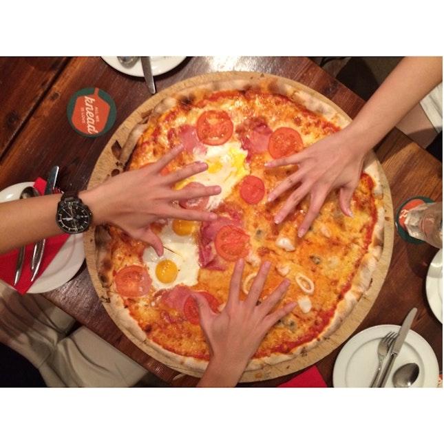 "21"" pizza"