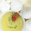 Crab lovers, have you ever tried the famous Crab Congee (水蟹粥) from Macau?