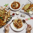 Tonight media tasting at The Manhattan Fish Market with lobsters playing an important role in their Christmas menu featuring 4 lobsters creations - Double Lobsters Platter (SGD $56.95), Lobster Fish & Chips (SGD $19.95 / SGD $25.95), Lobster Bouillabaisse (SGD $17.95) & Tangy Lobster Pasta (SGD $17.95)  Our favorite will be the Tangy Lobster Pasta, a dish of lobster and pasta cooked Aglio olio.