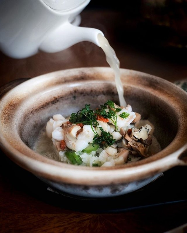 Signature Seafood Dancing Rice with Superior Stock • A show stopper the minute it reaches your table is this claypot that dances.