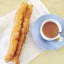 油条和茶。 #potd#breakfast#foodie#foodesteem#foodphotography#delish#whati8today#iweeklyfood#nomnom#instagramsg#igsg#sgfood#instapic#foodstagram#foodieat