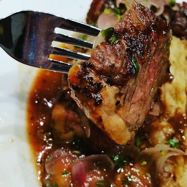 #steakwithchincalok #beef #chincalok #food #foodie #foodgloriousfood #foodlover #foodporn #foodblogger #instafood #ilovefood #icapturefood #foodstagram #8dayseat #burpple #epochtimesfood #sgfood #redpan #singapore #marinasquare