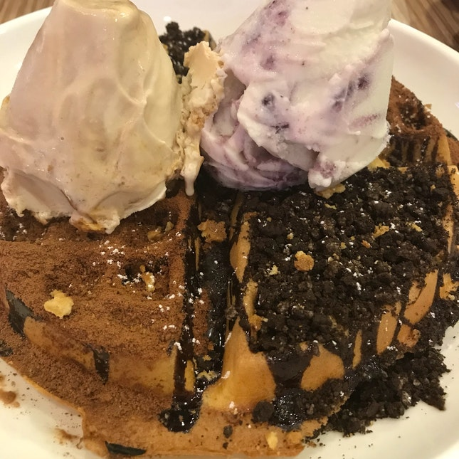 Salted Caramel And Blueberry Ice-cream + Waffle