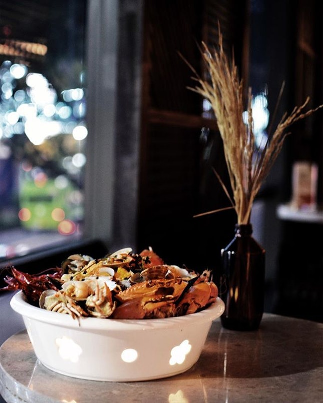 Pot Socialite [$80++]: - Seafood pot can be shared with 2 to 3 pax - You will always get to enjoy a complimentary choice of Sauvignon Blanc or Moscato d'asti.