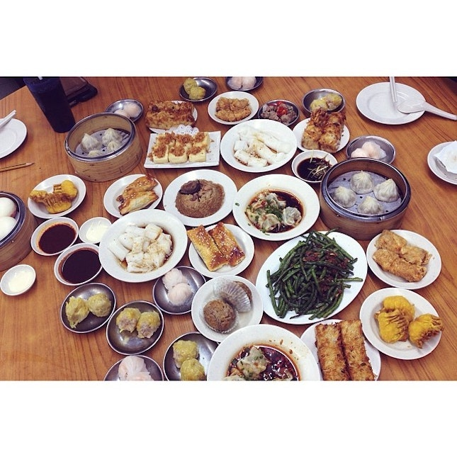 Having dimsum when u are so fungry