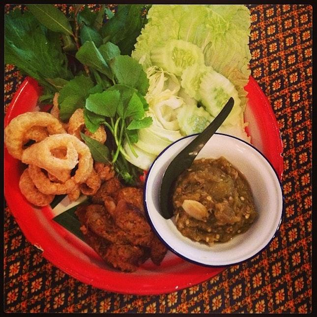 ขันโตก ลำแต้ๆ Thai northern food