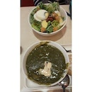 Fresh salad and spinach soup at #thesoupsoon ^^ huge volume,  to be shared.