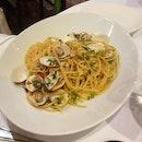 Spaghetti Alle Vongole Aglio Olio E Peperonicino ($27)