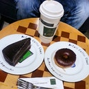 #drcafe Chillax with my annoying hubby...enjoy now..later then continue with work...