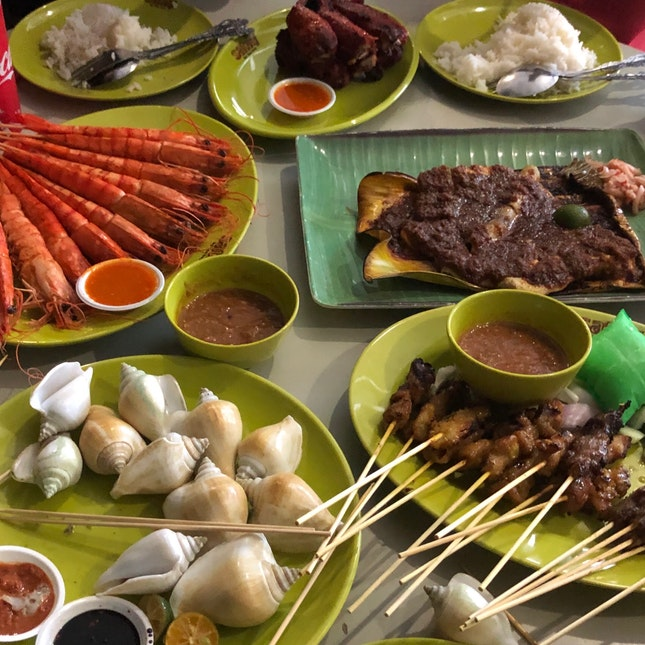 Halal Seafood And Satay