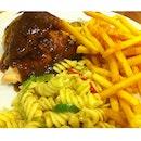 1/4 Black Pepper Chicken, Pasta Salad & Fries!
