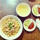 #nomnomnom #noodle #noodlestagram #yum #yummy #instafood #foodie #foodgasm #foodporn #delicious #igdaily #igaddict #picoftheday #foodofinstagram #foodaddict