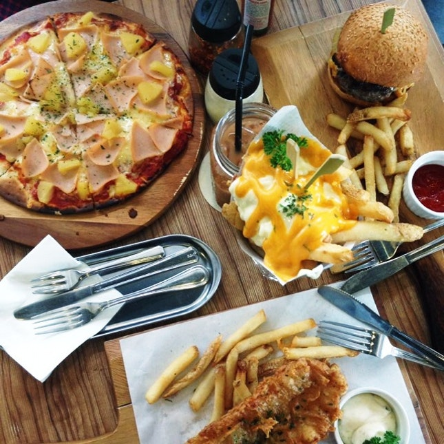 Fish & Chips, Pizza, Fries & Beef Burger