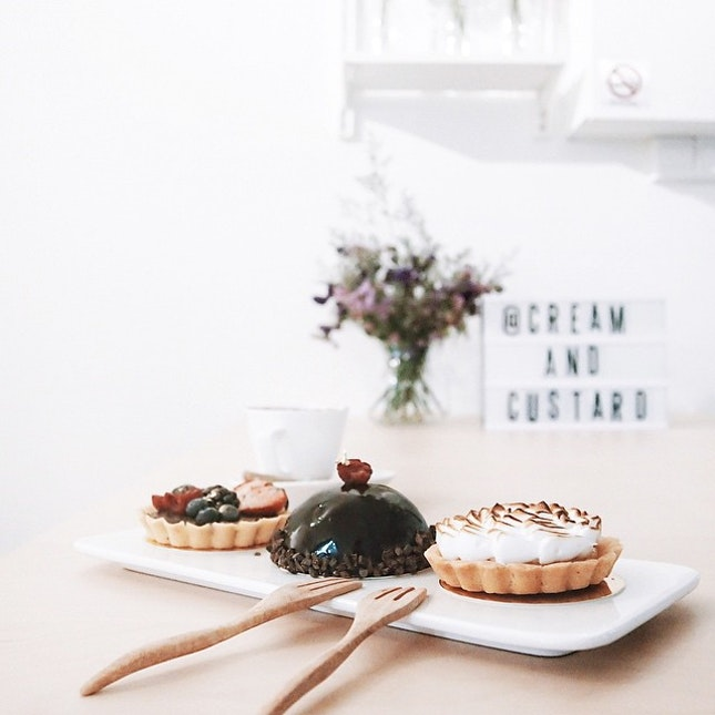 For Tarts and Cakes in a Minimalist Space