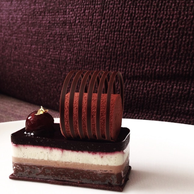 For Handcrafted Pastries & Petite Cakes by Chef Tetsuya