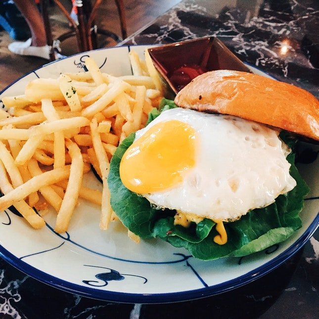 For an Underrated Burger in a Beautiful Cafe