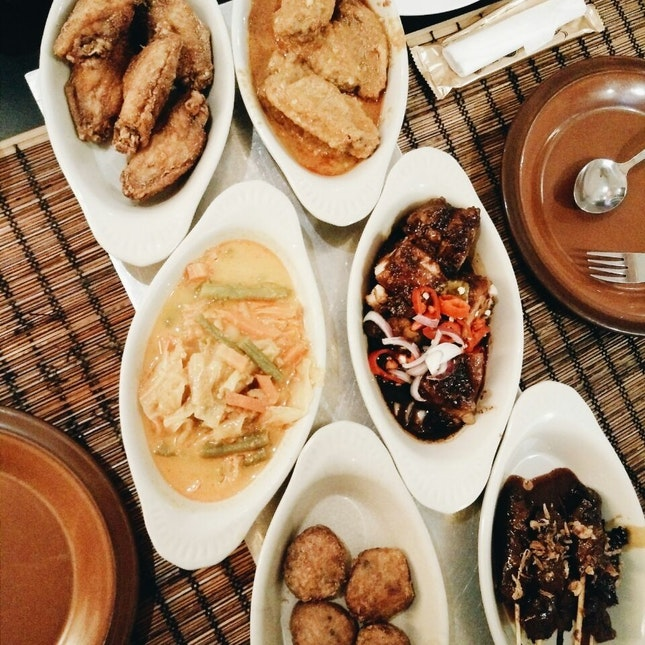 For Excellent Indonesian Buffet in Orchard