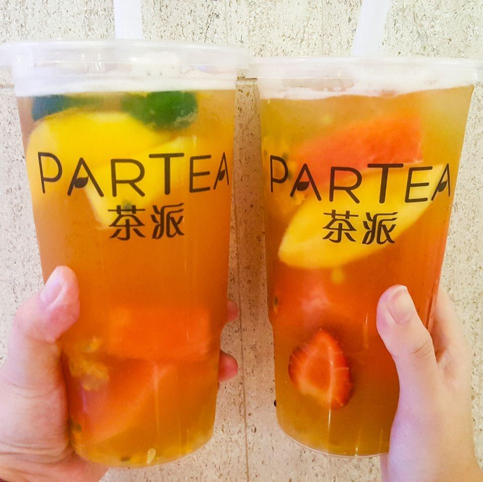 For XL-Sized Fruit Teas