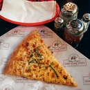 Mikey's New York Pizza (Mid Valley Megamall)