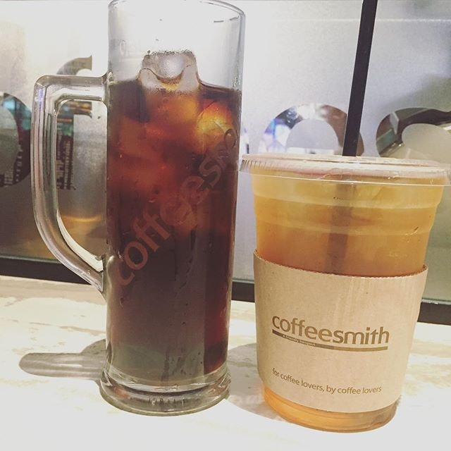 #burpple | Wow, I was taken by surprise with the sweetness of the #coldbrew at  #coffeesmithsg It tasted very refreshing and smooth and it's a smart way to present it in its ice cold tall mug which reminds one of drinking an ice cold beer 🍺on a hot day.