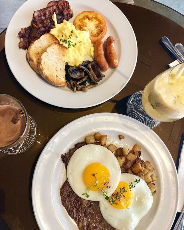 #burpple | yummy start to the weekend 😋 #steakandeggs #theworksbreakfast #cinnamonchocolate #applejuice