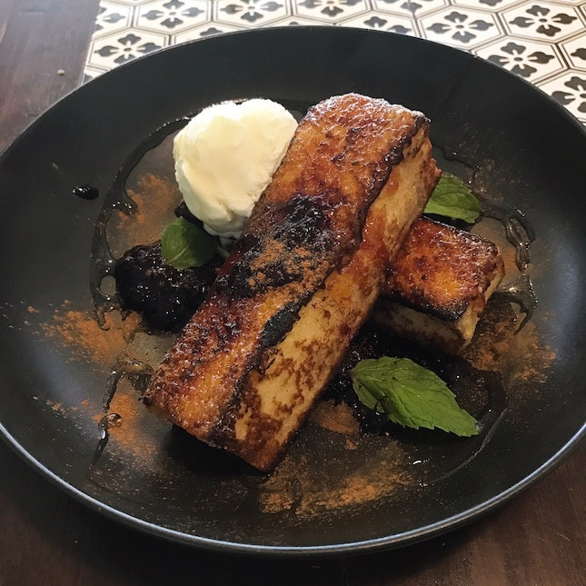 French Toast With Berries Compote