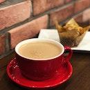 A simple #hotchocolate #muffin brekkie @ocoffeeclubsingapore to start off 2018.