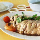#localgoodness tender juicy Chicken Rice paired off with Ba Long Long juice - - - - - - - - - - - - - - - - - - - - - ➡️➡️ SWIPE FOR MORE ➡️➡️ - - - - - - - - - - - - - - - - - - - - - .