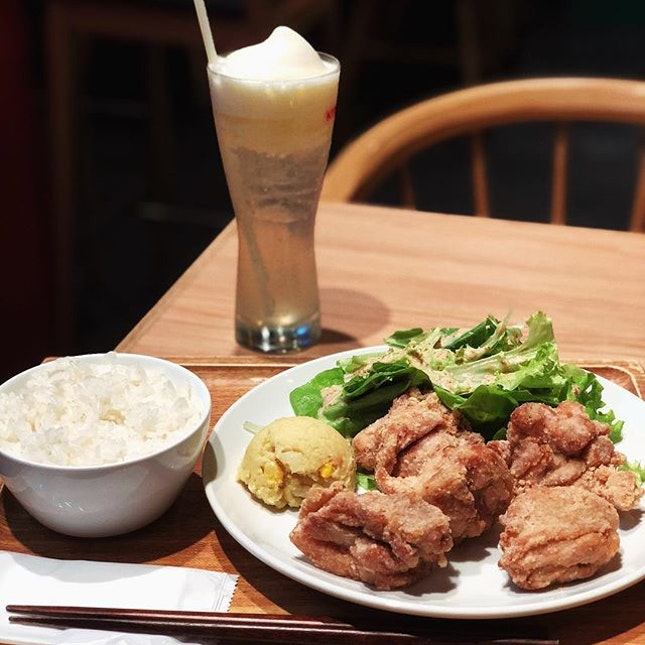 Tender, juicy and non-greasy Fried Chicken @rangmangshokudou is simply perfect on its own or with a bowl of rice.
