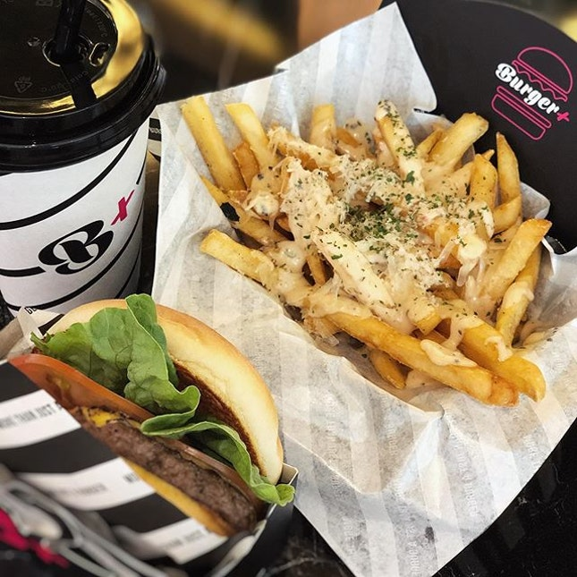 Drop by the newly opened @burgerplussg for their Cheeseburger and Truffle Fries, love the soft bun and beef patty.