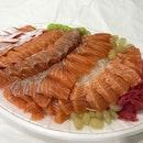 Salmon Sashimi (W20,000)
