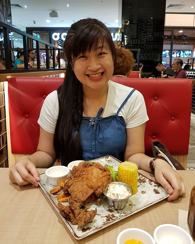 5/6/18 #throwback Back to Collin's to try other dishes😋 - Chix cutlet - Beer battered sidewinders Fattening - unhealthy ~ Don't bother, just enjoy the food☺️ .