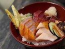 Chirashi Don ($24.90) ⭐️ 4.5/5 ⭐️ Salmon Aburi Roll ($15.90) ⭐️ 4/5 ⭐️ Salmon sashimi ($5.90) ⭐️ 4/5 ⭐️ 🍴Always thought the two #sushibar outlets were identical but their menus differ slightly.
