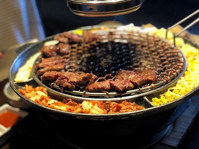 Gone with mix 4-person set menu ($136) ⭐️ 4/5 ⭐️ 🍴On the pricey side but you get what you pay for - delicious hearty Korean bbq where attentive staff cook and cut up the meat for you.