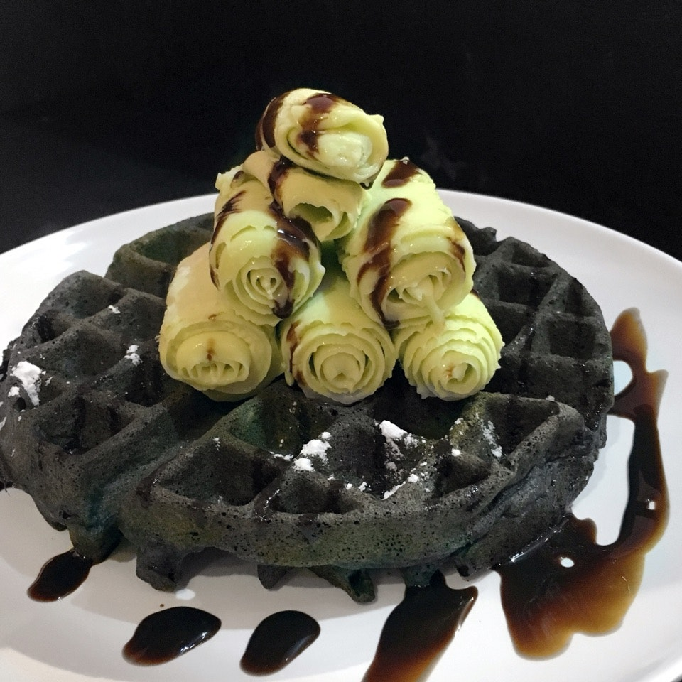 Charcoal Waffle With Ice Cream Roll