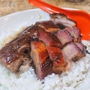 My last meal in HK was this beautiful roast goose + charsiew rice from Michelin-starred Yat Lok.