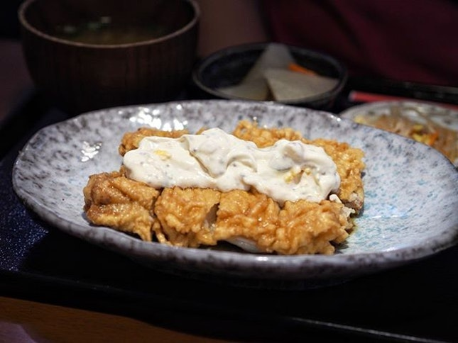 An izakaya at night, Yaguya serves some pretty good lunch sets that feel like comfort food your mum cooks at home.