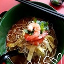Suddenly...craving for laksa again even tho I just had it 2 days ago.