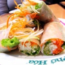 Ranked No 30 out of 50 in World's Most Delicious Food... Vietnamese spring rolls. Yums for summer rolls!