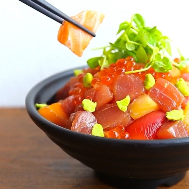 The Ramen Stall which is certified Halal serves a range of Japanese fare from fresh sashimi, grilled Kushiyaki to Teppanyaki dishes.