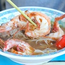 On a search for some of Singapore's best prawn noodles, I was recommended to Jalan Sultan Prawn Mee 惹蘭蘇丹蝦麺.